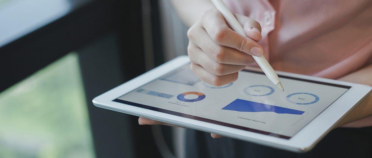 KPI'larınızı ölçmek için toplam, oran, yüzde gibi ölçüm yöntemleri kullanmalısınız. Böylece çalışanlarınızdan kaçının işinden memnun olduğu ya da tedarik zamanı gibi verileri anlamanız kolaylaşır.