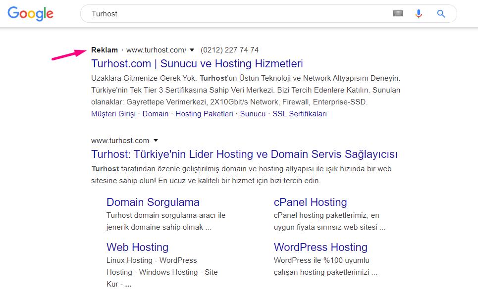 Google, organik arama listesinin üstünde 5 reklam gösterme hakkına sahiptir.